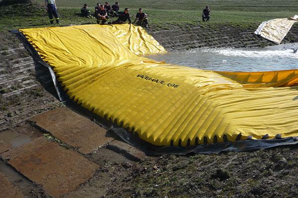 Test van een flexibele Water-Gate bouwkuip © WA-50 door de Tsjechische civiele veiligheid