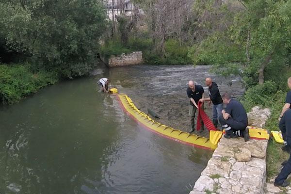 Hoe een rivierdrempel in 3 minuten op te drogen! Model WL-06 met geïntegreerde ballast.